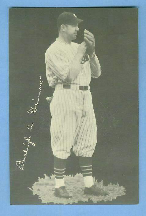1932 Cubs Team Issue #.8 Burleigh Grimes Baseball cards value