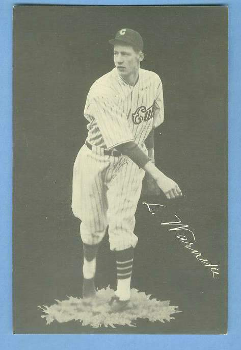 1932 Cubs Team Issue #26 Lon Warneke Baseball cards value