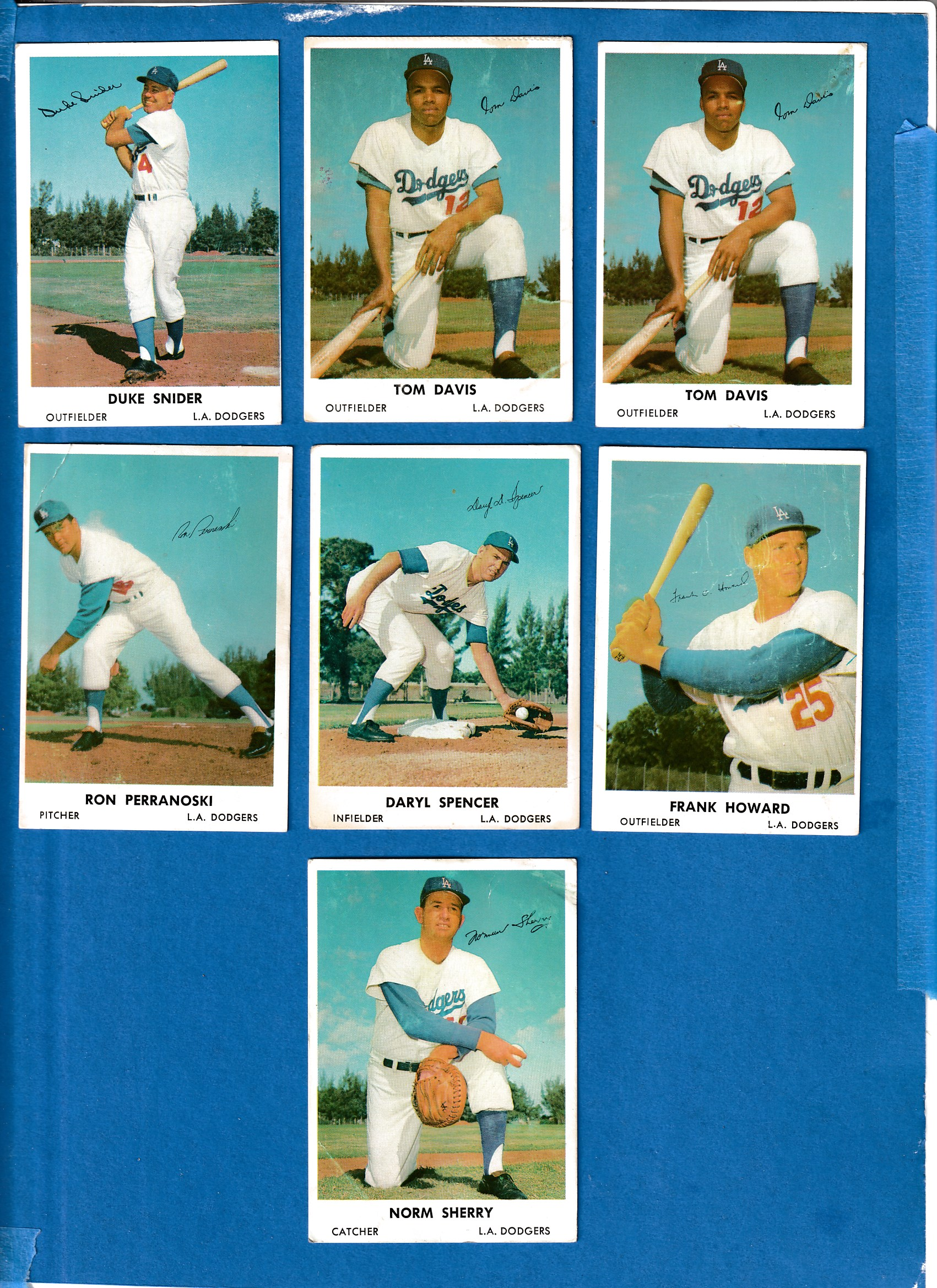 1962 Bell Brand Dodgers #12 Tommy Davis Baseball cards value
