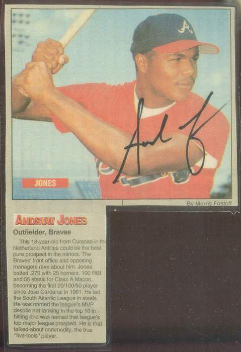 Andruw Jones - Autographed 1995/96 Magazine Photo [#e] (4-1/2x6-1/2) Baseball cards value