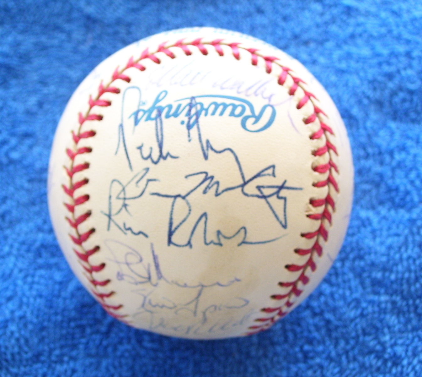 1995 Twins - Team Signed/AUTOGRAPHED baseball [#ed20] w/25 Signatures Baseball cards value