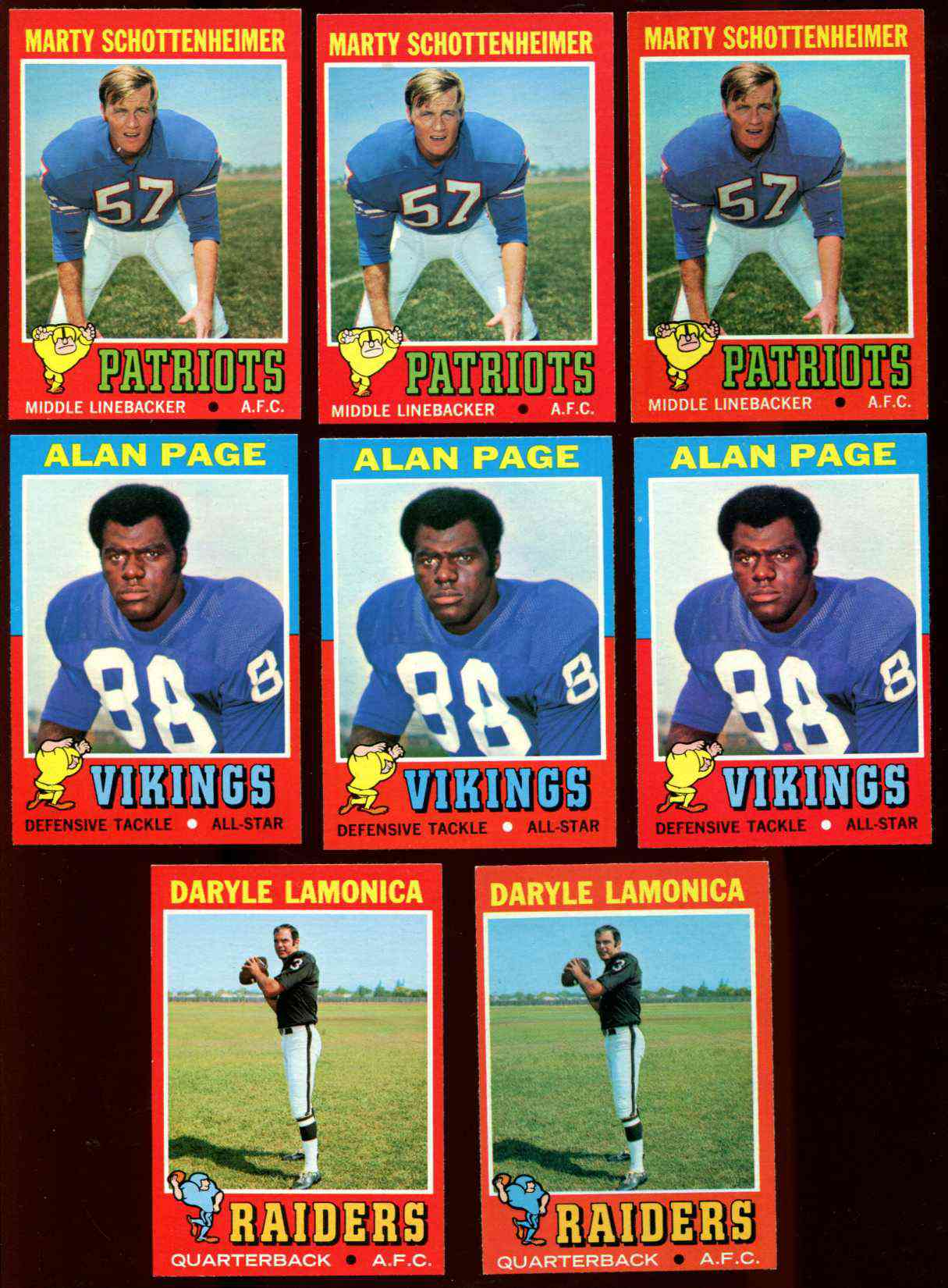 1971 Topps FB #  3 Marty Schottenheimer ROOKIE [#a] (Patriots) Football cards value