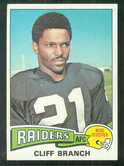 1975 Topps FB #524 Cliff Branch ROOKIE [#a] Football cards value