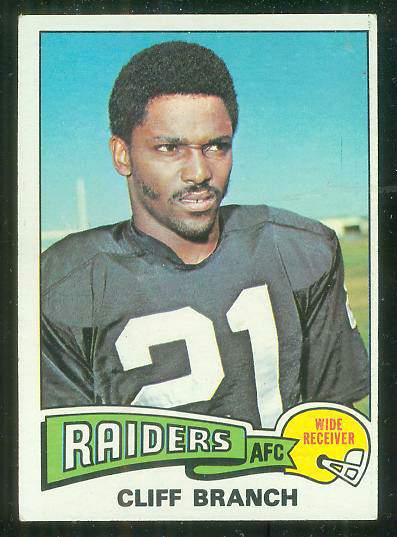 1975 Topps FB #524 Cliff Branch ROOKIE [#b] Football cards value