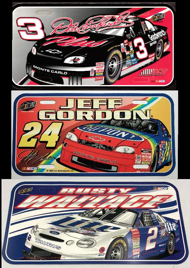 RACING - Lot of (12) - Fan Fueler NASCAR Plastic License Plates n cards value