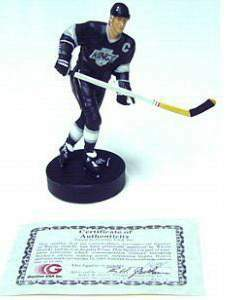 Wayne Gretzky - 1989 Gartlan 4-1/2 inch Porcelain Cast Minature Figurine Baseball cards value