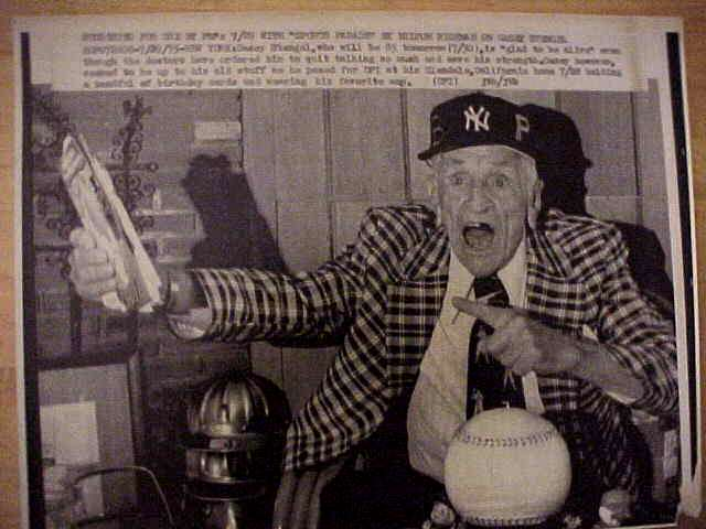 WIREPHOTO: Casey Stengel - {07/29/75} 'Glad To Be Alive' (Yankees/Mets) Baseball cards value