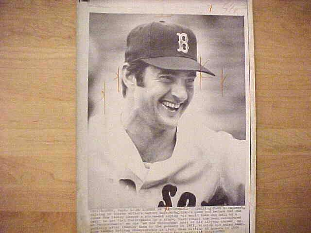 WIREPHOTO: Carl Yastrzemski - {09/01/71} 'No Longer An 'Untouchable'' (Red Baseball cards value