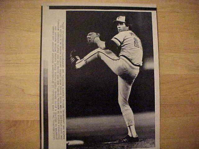 WIREPHOTO: Jim Palmer - {06/05/78} 'Kicking It Up' (Orioles) Baseball cards value