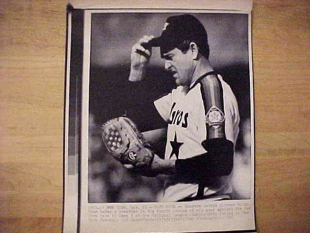 WIREPHOTO: Nolan Ryan - {10/14/86} 'Hard Work' (Astros) Baseball cards value