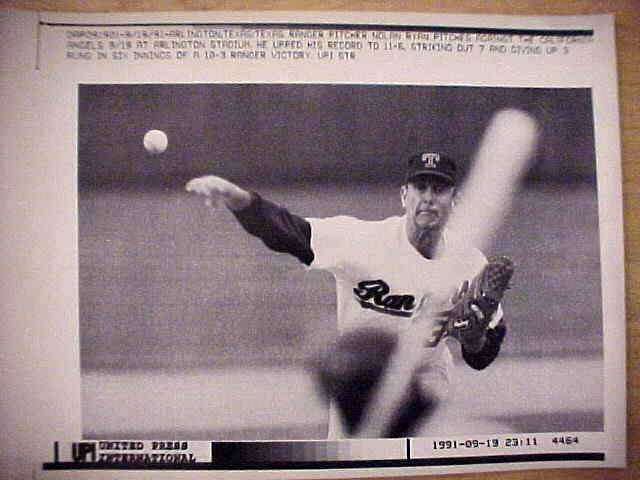 WIREPHOTO: Nolan Ryan - {09/19/91} 'From Here' (Rangers) Baseball cards value