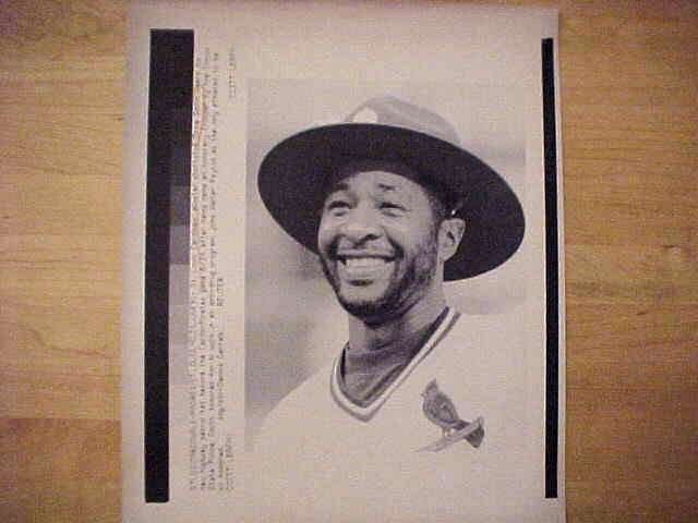 WIREPHOTO: Ozzie Smith - {06/24/91} 'Officer Oz' (Cardinals) Baseball cards value