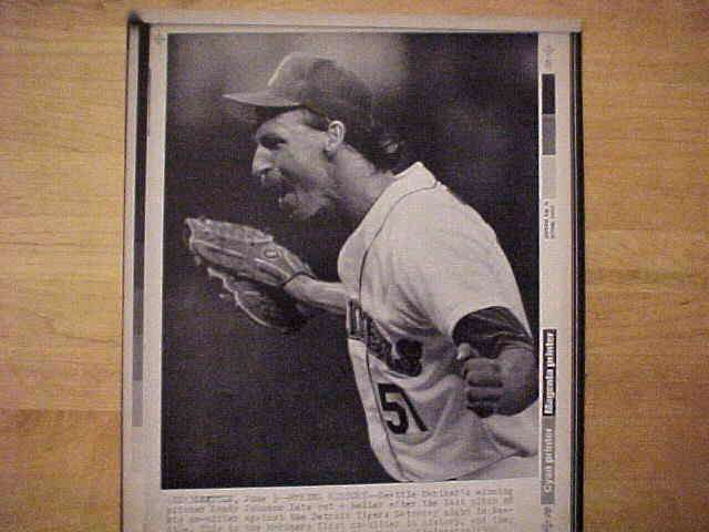 WIREPHOTO: Randy Johnson - {06/03/90} 'Making History' (Mariners) Baseball cards value