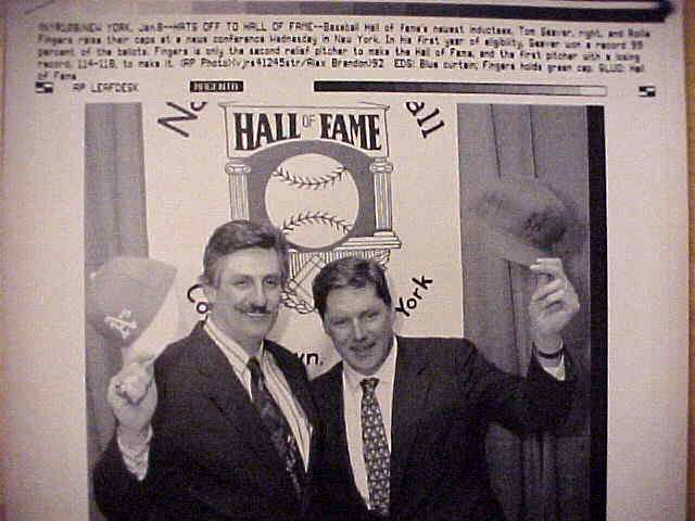 WIREPHOTO: Tom Seaver - {01/08/92} 'Hats Off To Hall Of Fame' (Mets) Baseball cards value