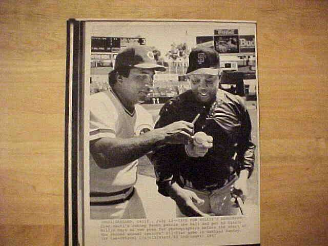 WIREPHOTO: Willie Mays - {07/12/87} 'Time For Willie's Autograph' (Giants) Baseball cards value