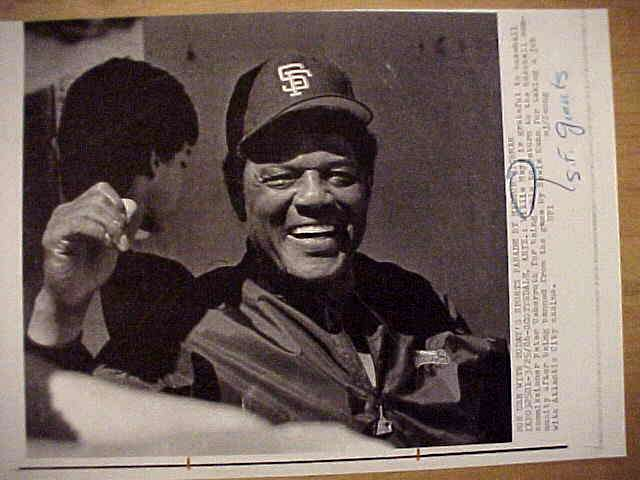 WIREPHOTO: Willie Mays - {03/25/86} 'Back Again' (Giants) Baseball cards value