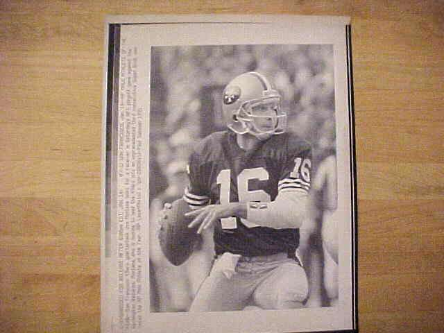 WIREPHOTO: Joe Montana - {01/14/91} 'AP Male Athlete Of The Year' (49ers) Football cards value