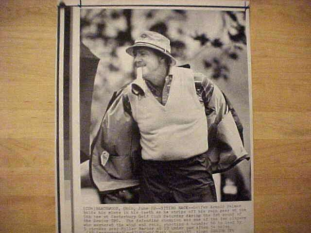 WIREPHOTO {Golf}: Arnold Palmer - {06/22/85} 'Biting Back' Golf cards value