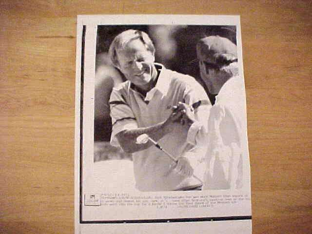WIREPHOTO {Golf}: Jack Nicklaus - {04/08/90} 'Sand Magician' Golf cards value