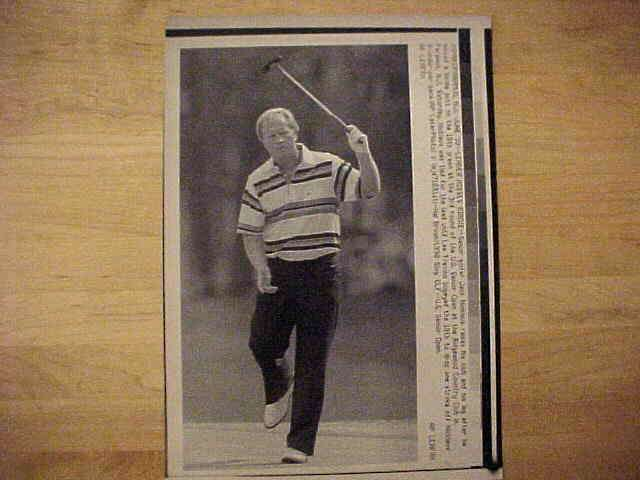 WIREPHOTO {Golf}: Jack Nicklaus - {06/30/90} 'Leader Misses Birdie' Golf cards value