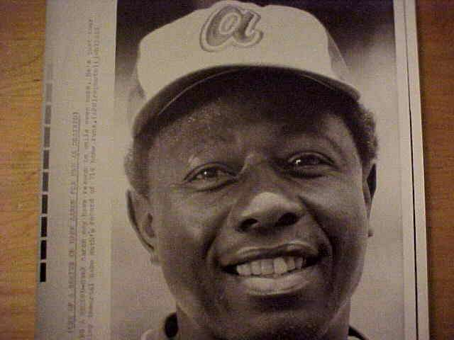WIREPHOTO: Hank Aaron - {09/11/73} 'Eyeing A Record' (Braves) Baseball cards value