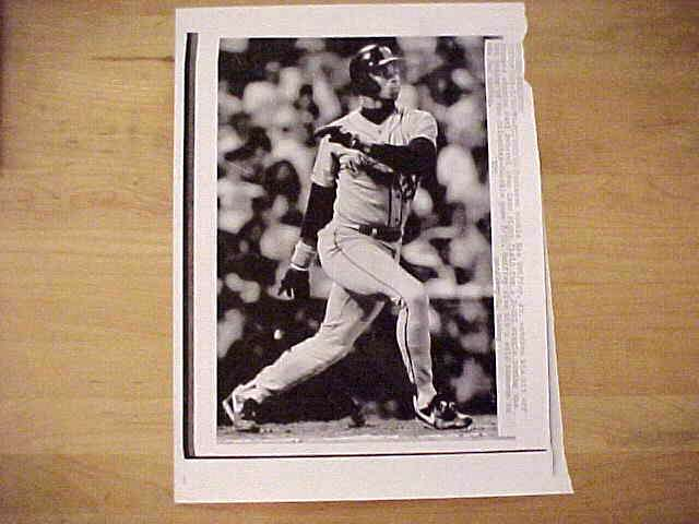WIREPHOTO: Ken Griffey Jr - {08/30/89} 'In Motion' (Mariners) Baseball cards value