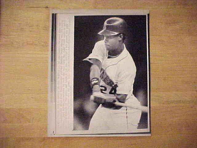 WIREPHOTO: Ken Griffey Jr - {06/05/89} 'Number Ten' (Mariners) Baseball cards value