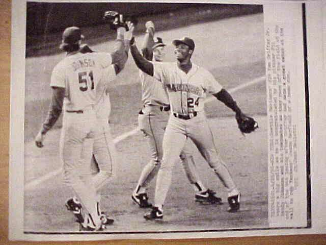 WIREPHOTO: Ken Griffey Jr - {04/26/90} 'Let's Celebrate' (Mariners) Baseball cards value