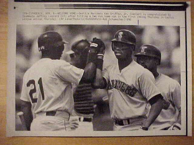 WIREPHOTO: Ken Griffey Jr - {04/06/90} 'Welcome Home' (Mariners) Baseball cards value