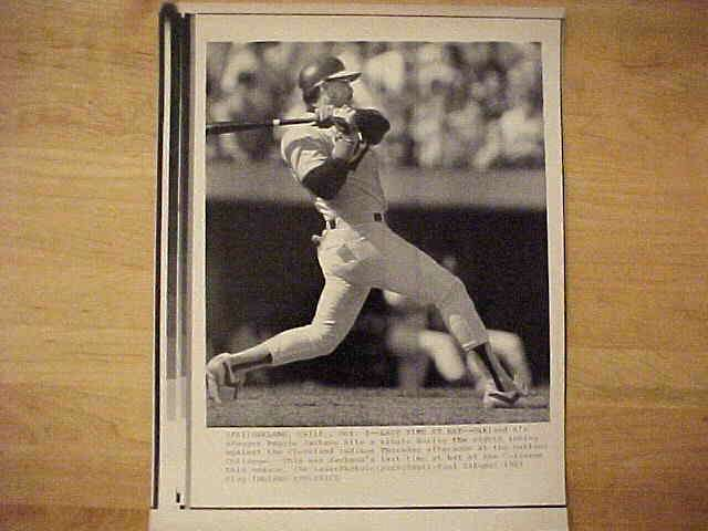 WIREPHOTO: Reggie Jackson - {10/02/87} 'Last Time At Bat' (A's) Baseball cards value