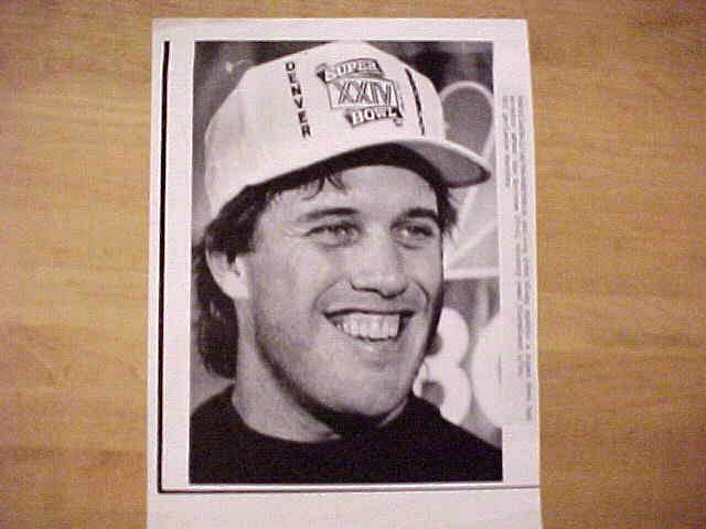 WIREPHOTO: John Elway - {01/14/90} 'Super Bowl Champ' (Broncos) Football cards value