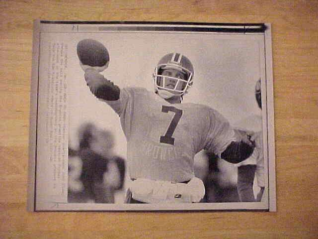 WIREPHOTO: John Elway - {01/20/90} 'Back To Pass' (Broncos) Football cards value