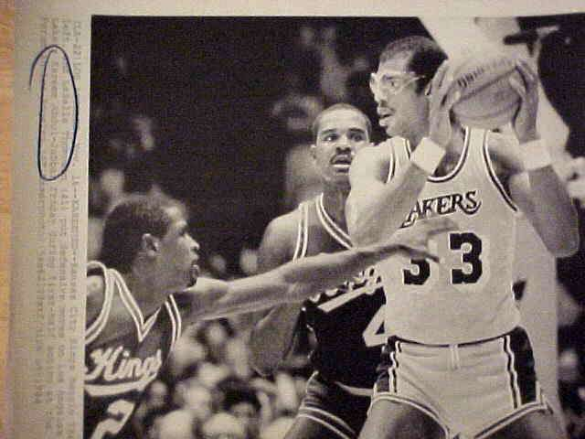 WIREPHOTO: Kareem Abdul-Jabbar - {11/16/84} 'Kareemed!!!' (Lakers) Basketball cards value