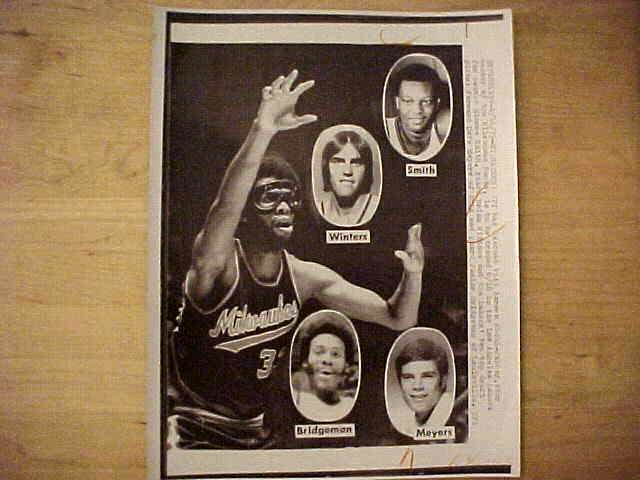 WIREPHOTO: Kareem Abdul-Jabbar - {05/13/74} 'The Press Is On' (Bucks) Basketball cards value