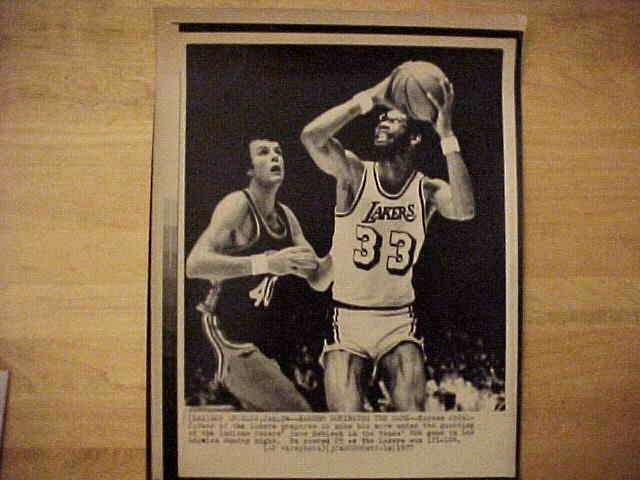 WIREPHOTO: Kareem Abdul-Jabbar - {05/08/77} 'Matching Up' (Lakers) Basketball cards value
