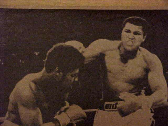 WIREPHOTO {Boxing}: Muhammad Ali - {11/20/79} 'Championship Battle' Boxing cards value
