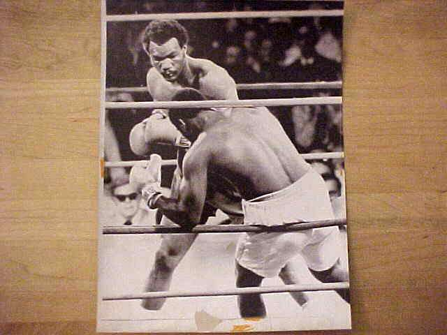WIREPHOTO {Boxing}: George Foreman - {  /  /  } 'Untitled' Boxing cards value