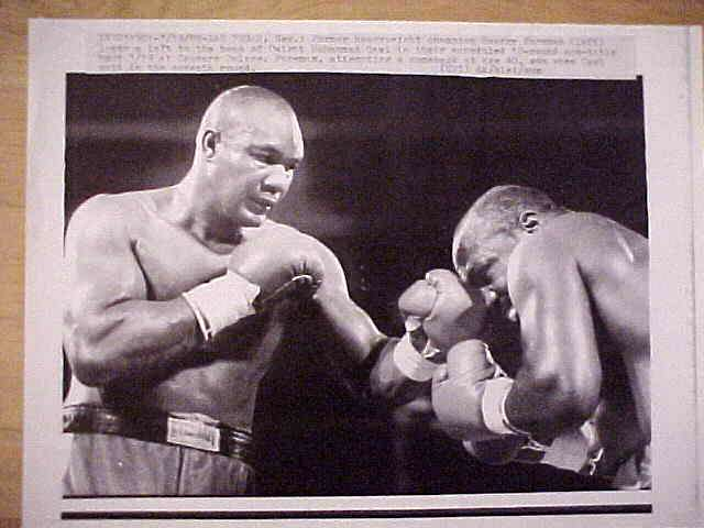 WIREPHOTO {Boxing}: George Foreman - {03/19/88} 'Comeback At 40' Boxing cards value