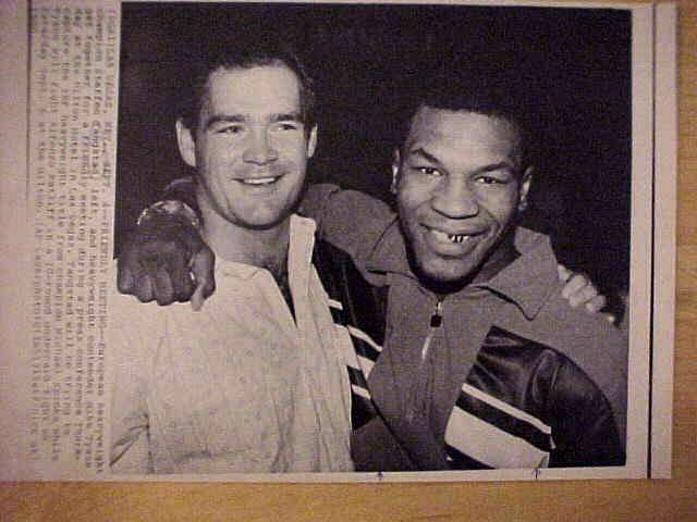 WIREPHOTO {Boxing}: Mike Tyson - {09/04/86} 'Friendly Meeting' Boxing cards value