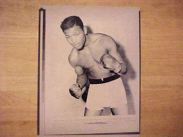 WIREPHOTO {Boxing}: Sugar Ray Robinson - {04/12/89} 'Ex-Champ Dies' Boxing cards value