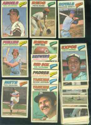 1977 Topps Cloth Stickers Baseball card front